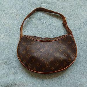 Louis Vuitton croissant purse